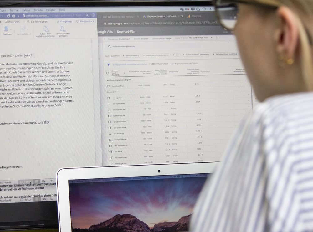SEO Agentur Keyword Recherche Laptop