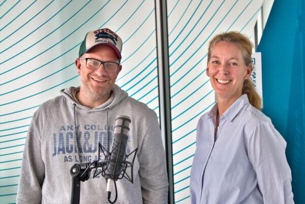"""Anja Roth und Christian Windeck - Podcast """"Einer für alle"""""""